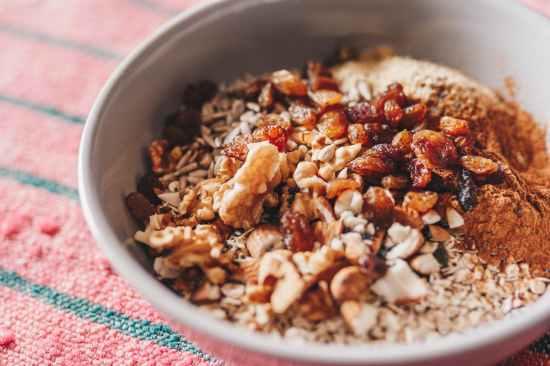 oats in white ceramic bowl