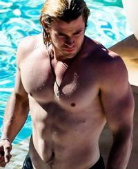 1c8d5ec78bbe186d739ed95cf049660c--chris-hemsworth-body-chris-hemsworth-shirtless